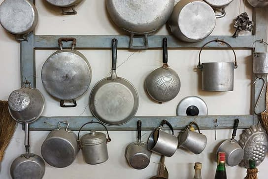 Five Productive Things You Can Do with Your Old Pots and Pans? 2
