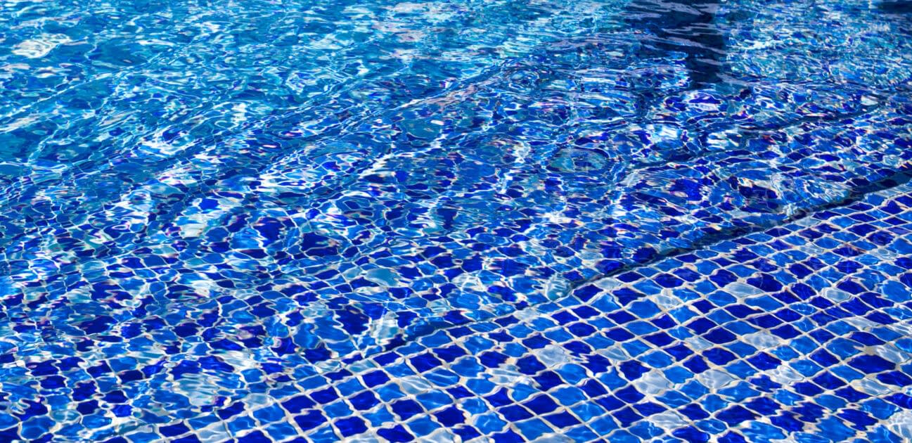 How to Patch a Pool Liner 1