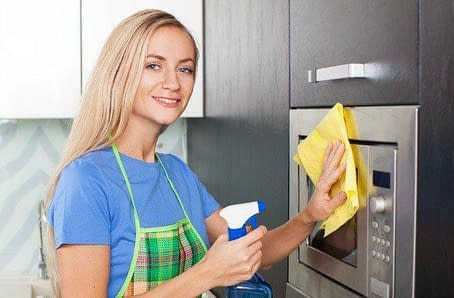 How to Deodorize Your Microwave 4