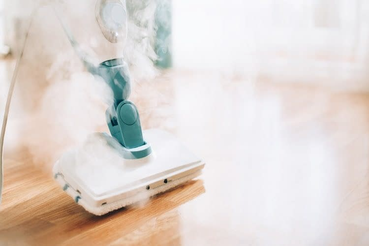 How to Use a Steam Mop 1
