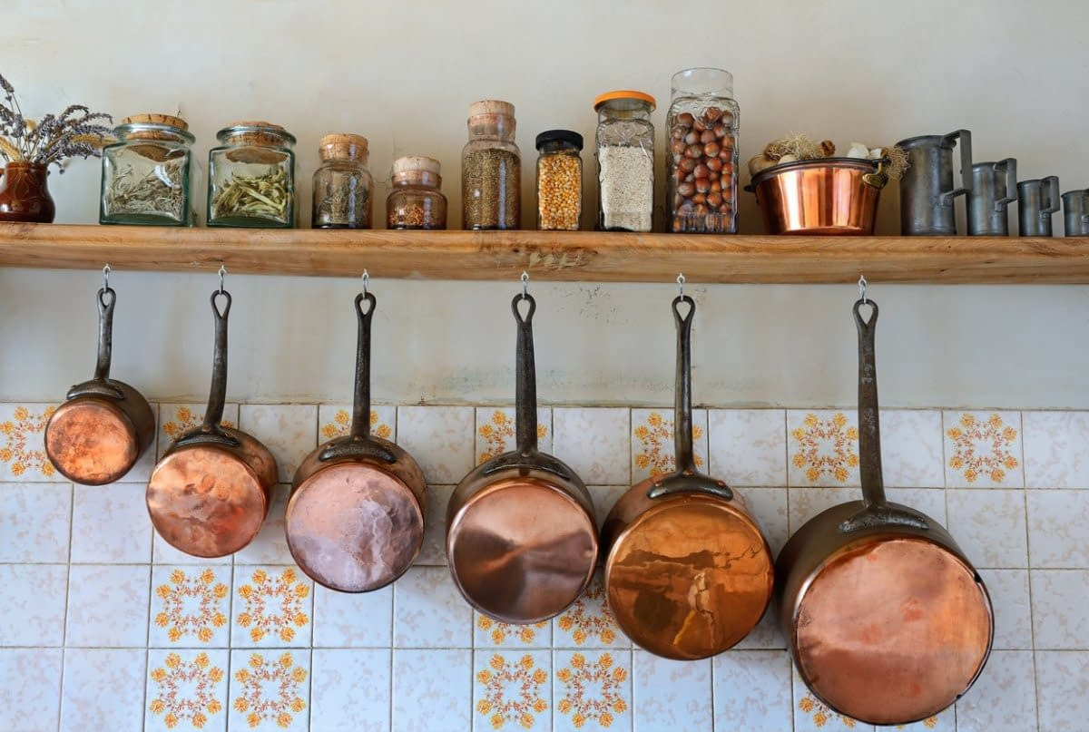 What To Do With Old Pots And Pans? 7